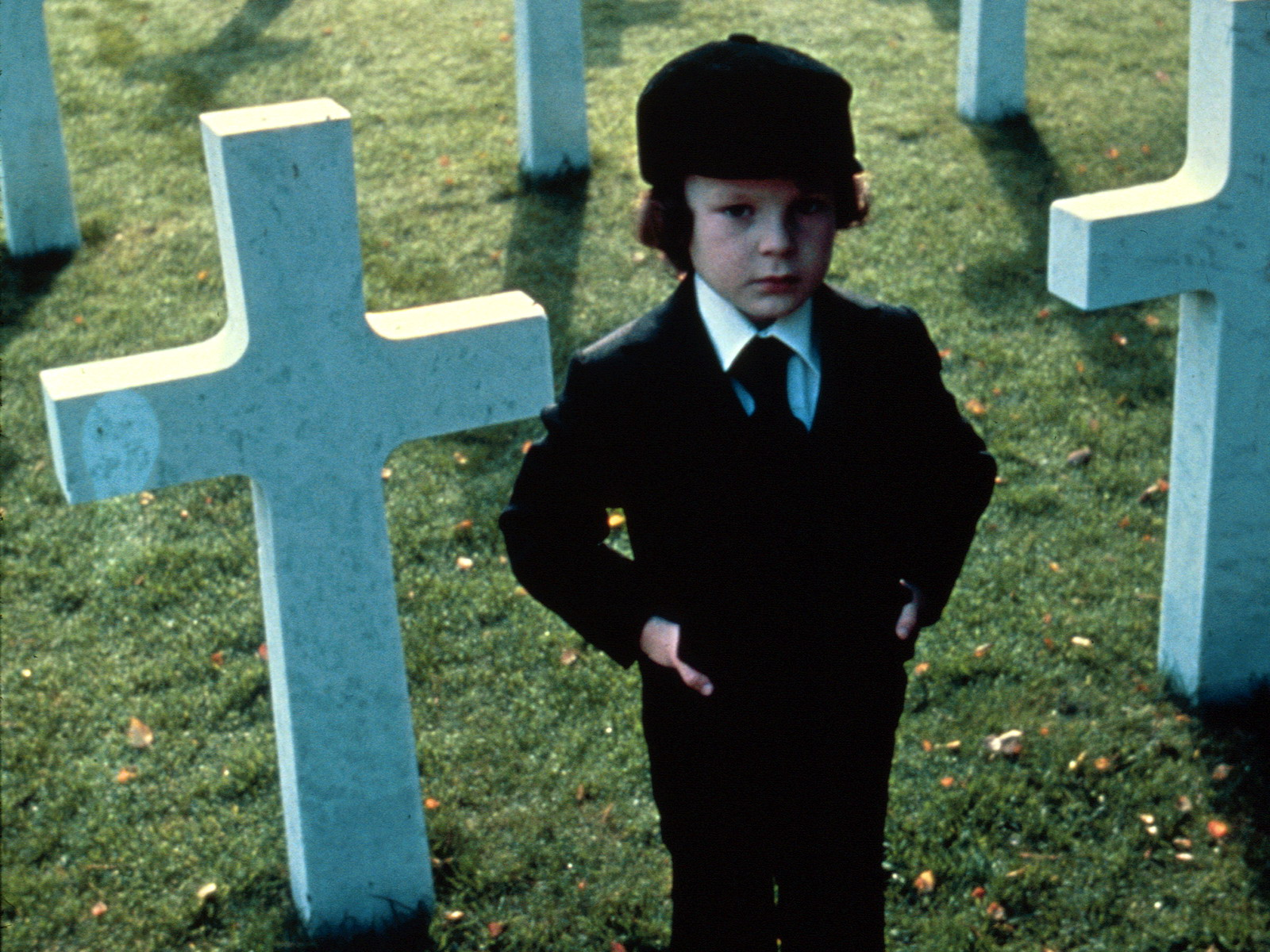 19958_omen_or_the-omen_1600x1200_(www.GdeFon.ru)